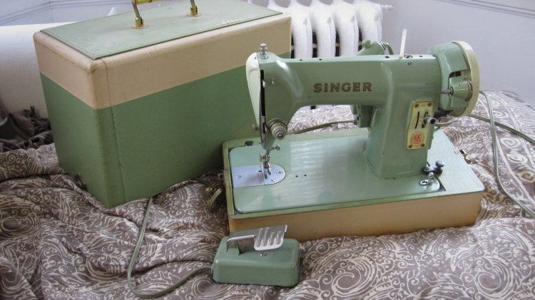 Swapsity Items Mint Green 40 Antique Sewing Machine Working Best Singer Green Sewing Machine